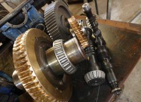Fabricación de coronas en Bronce fosforado para reductores de velocidad.