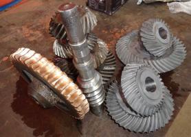 Fabricación de elementos de trasmisión engranajes, catalinas, acoples, manguitos, poleas y otros