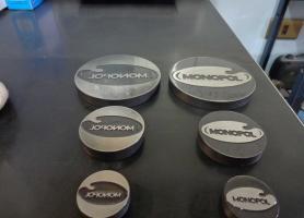 Fabricación de matrices para estampado con logotipo a solicitud del cliente